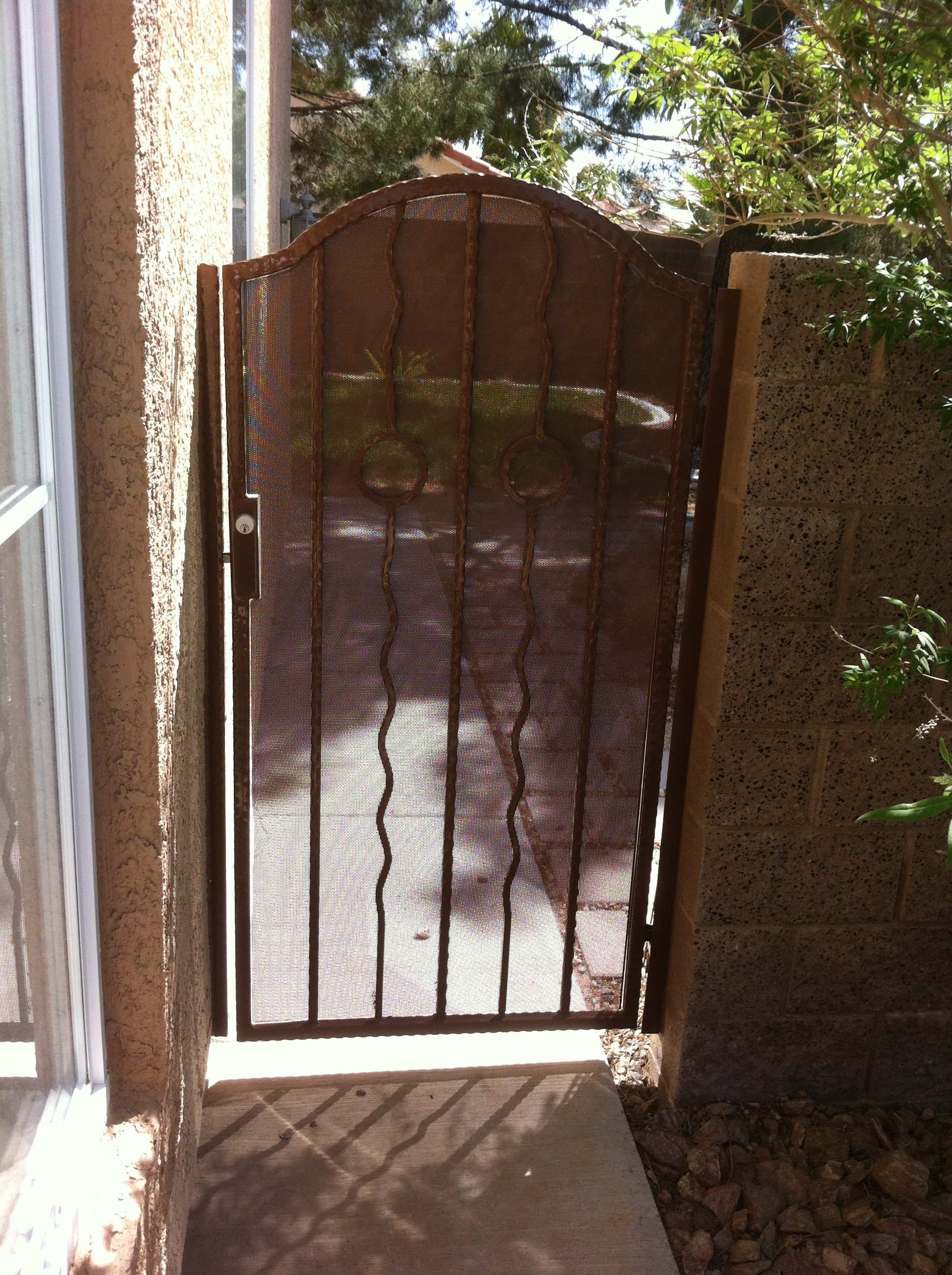 Hammered side gate made to order with a customized design